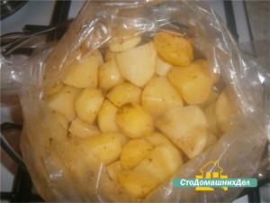 rulka-s-kartofelem-v-pakete-dlya-zapekaniya-3