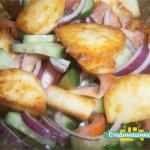Теплый салат с адыгейским сыром.